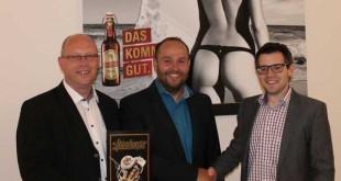 Altenburger Brauerei und der SV Aufbau Altenburg besiegeln erneut Zusammenarbeit mit einem Sponsorenvertrag (Foto: SV Aufbau Altenburg)