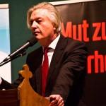 Jürgen Elsässer spricht zur Compact Veranstaltung in Kosma (Foto: der uNi)