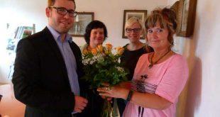 v.l.n.r. Bürgermeister Sven Schrade, Christina Hädrich, Katja Kratzsch (Leiterin Personalwesen), Carmen Herbig (Foto: J. Hiller, Stadtverwaltung Schmölln)