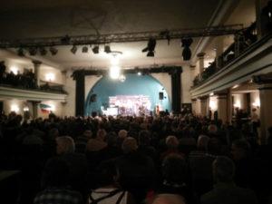 Voller Saal zur Compact-Live Veranstaltung in Kosma (Foto: ABG-Info)