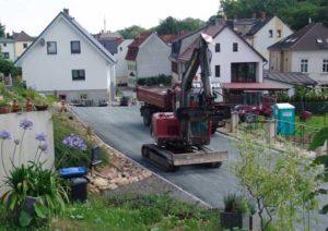 Bei den Arbeiten in der Pauritzer Straße kam schweres Gerät zum Einsatz. (Foto: C. Bettels )