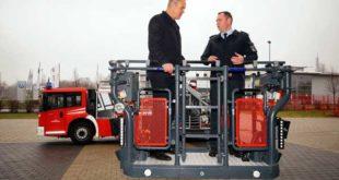 Auf der Leiter: OB M. Wolf und Meik Zimny Referatsleiter Feuerwehr (Foto: Ronny Seifarth)