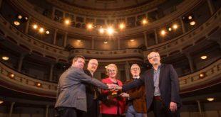 Übergabe Bewilligungsbescheid für das Theater Altenburg (Foto: Ronny Ristok)