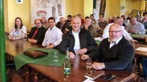 OB- und Landratskandidaten bei den Kleingärtnern in der Destille (Foto: privat)