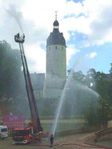 Einsatzkräfte der Feuerwehr rückten am Mittwoch dieser Woche im Residenzschloss an und führten eine Übung durch.  (Foto: Uwe Strömsdörfer)