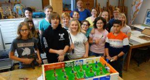 Fussball-Workshop mit der Gemeinschaftsschule Erich-Mäder (Foto: Jacqueline Glück, Lindenau-Museum)