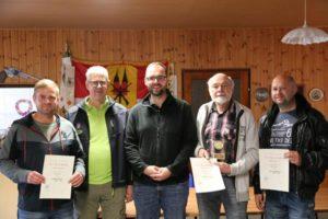 Michael Dunst, Markus Kaminski, Torsten Weiß, Joachim Nebel und Silvio Stahlmann (v.l.) während der Siegerehrung. (Foto: Erik Müller)