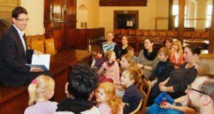 Internationaler Kinderbuchtag: Oberbürgermeister André Neumann las vor (Foto: Ronny Seifarth)