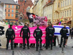 Antifa protestiert gegen AfD und Deutschland (Foto: ABG-Info)