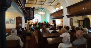 Gospelkonzert in der Kirche Flemmingen (Foto: Jörg Bachmann)