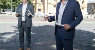 Theater Altenburg Gera, Kaufm. Geschäftsführer Volker Arnold und Generalintendant Kay Kuntze haben die Pläne für Theater mit Abstand vorgestellt (Foto: Ronny Ristok)