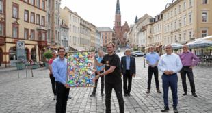 Versteigerung der Collage erbrachte 5.300 Euro (Foto: Ronny Seifarth)