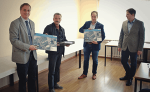 von links nach rechts: Knut Rommel (TLBG), Herr Georg Friedemann (stellv. Bürgermeister Göpfersdorf), Herr Henrik Läbe (Bürgermeister Nobitz), Herr Kai Schröder (Thüringer Landgesellschaft) (Foto: TLBG)