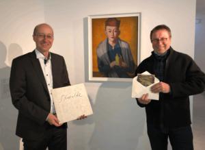 """Dr. Roland Krischke (links), Direktor des Lindenau-Museums Altenburg, mit Lutz Woitke, Vorsitzender des Förderkreises """"Freunde des Lindenau-Museums"""" e.V., (Foto: Lindenau-Museum)"""