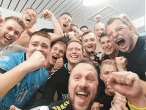 1. Männermannschaft des SV Aufbau Altenburg nach dem Auftaktsieg (Foto: SV Aufbau Altenburg)